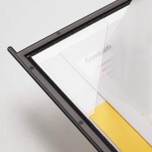 מתקן תצוגה שולחני מתכתי שחור